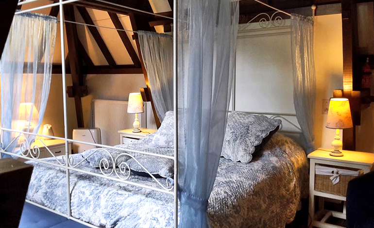 Room Odici bed and breakfast moulin de benedicty france lot rocamadour compostelle
