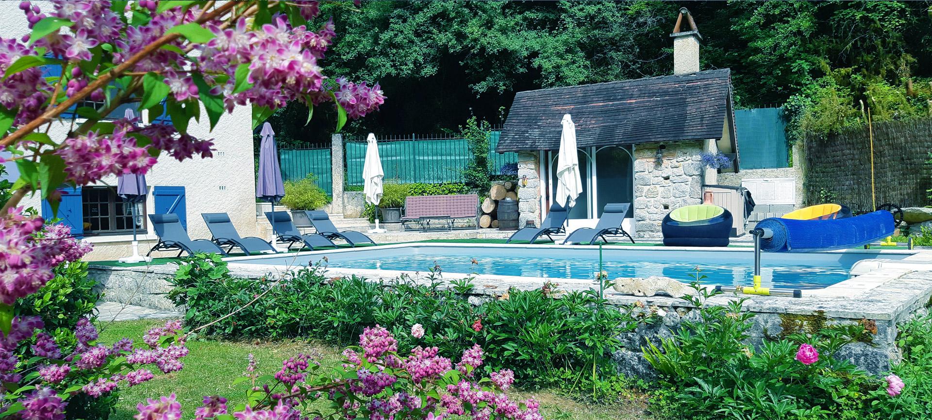 piscine chambres hotes moulin de benedicty figeac 46 rocamadour