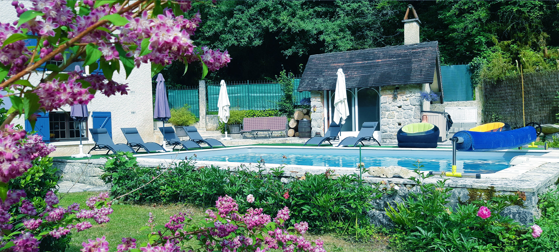 swimming pool cottages gites de france 46 figeac
